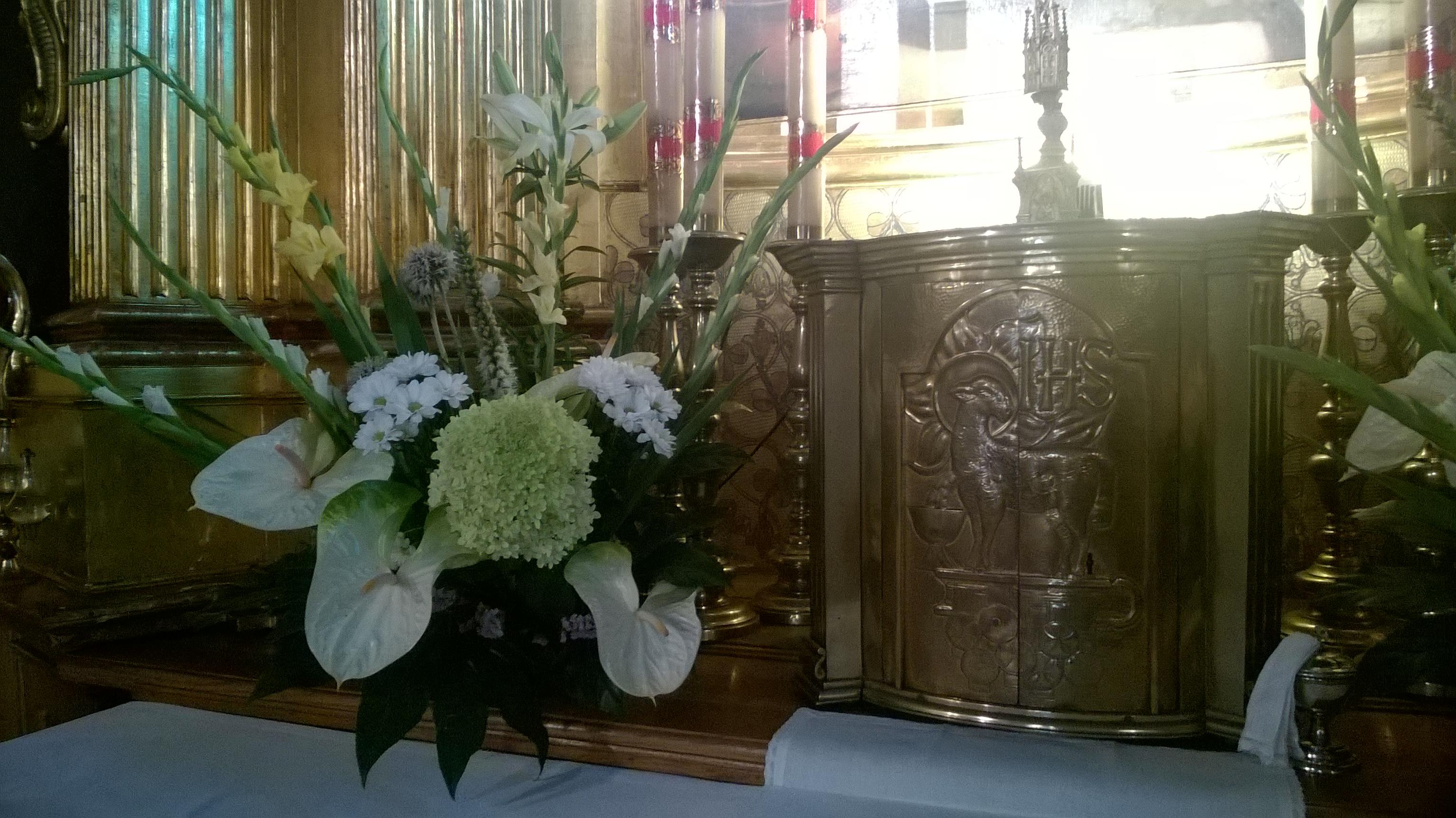 dorota-prochal-dekoracja-kosciola-w-zielonkach-37